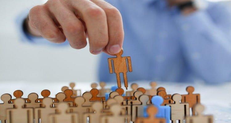 2 2 - ¿En qué consiste la ayuda de acompañamiento para jóvenes de Garantía Juvenil con contrato de formación?