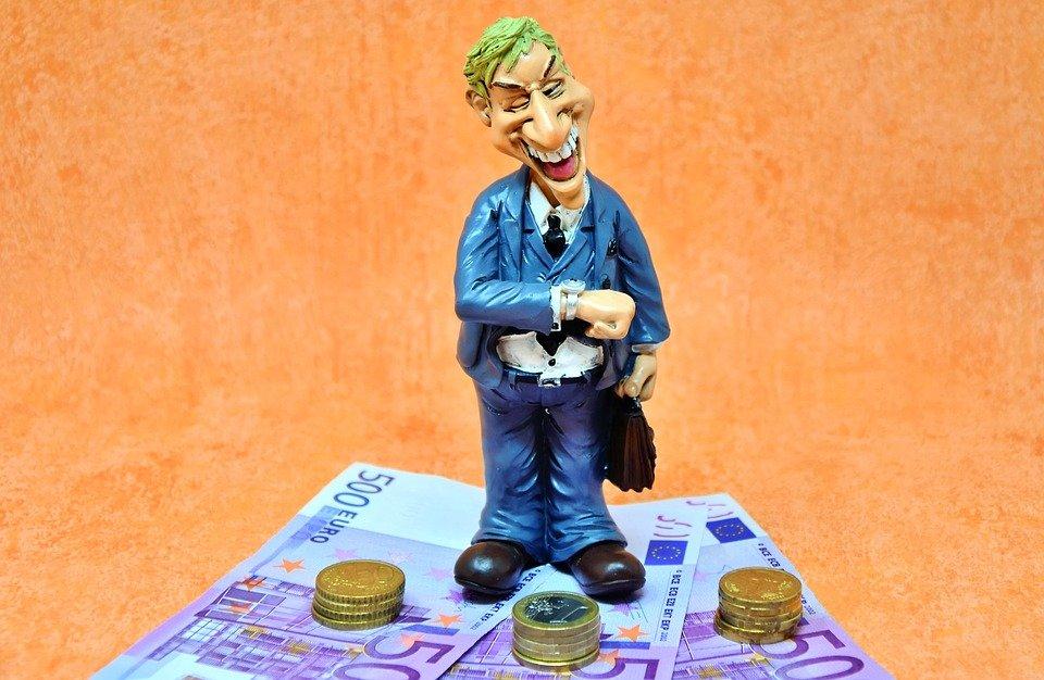 1 3 - España deja de ingresar casi 2.000 millones anuales por fraude en el IVA