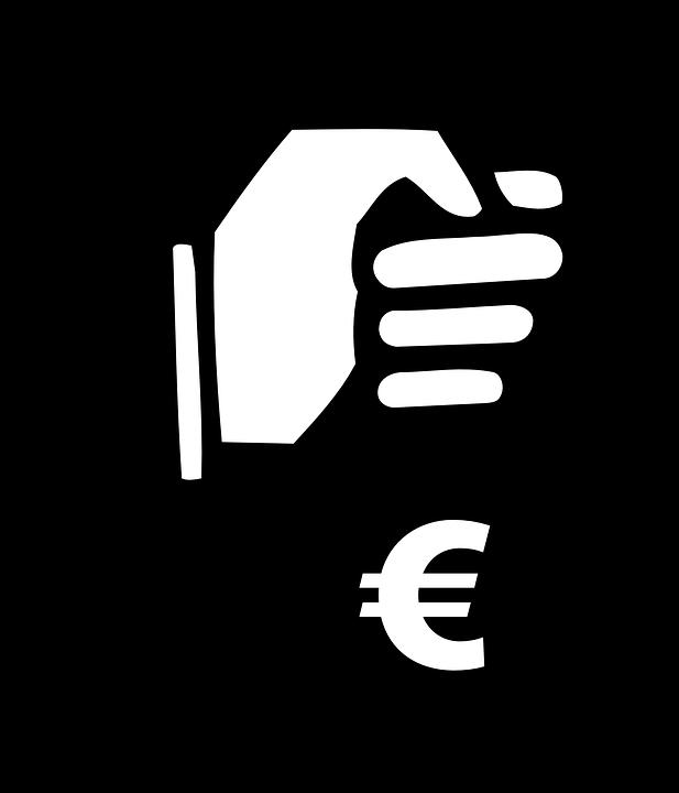 1 1 - Hacienda multará con 50.000 euros a los negocios que utilicen 'caja B'