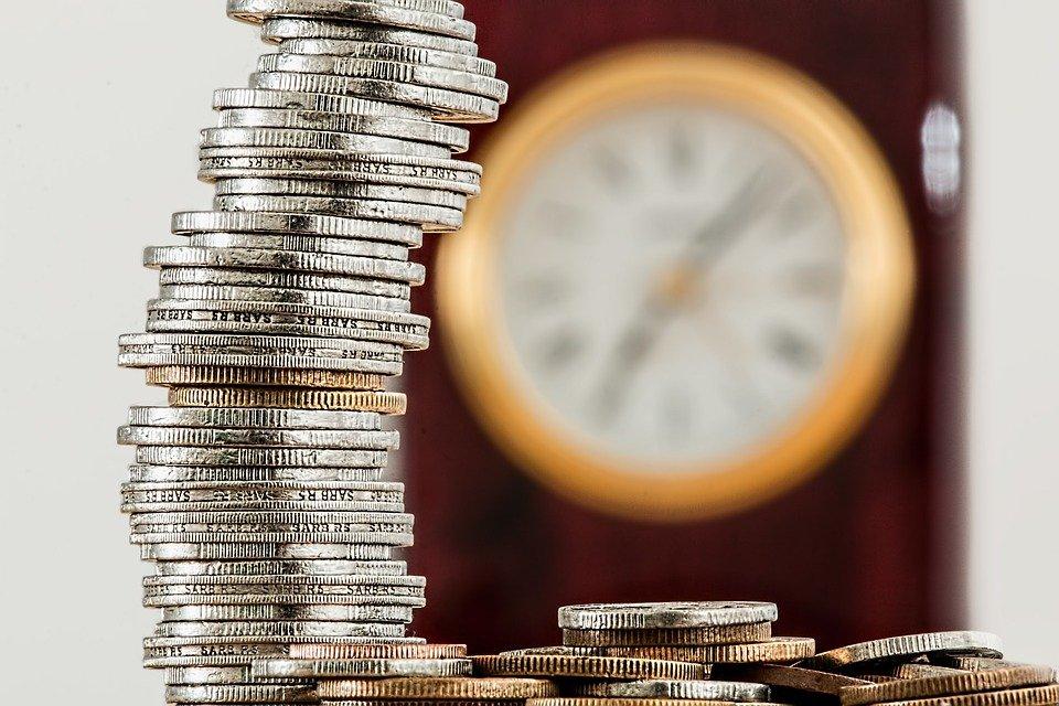 2 2 - Hacienda multará con 50.000 euros a los negocios que utilicen 'caja B'
