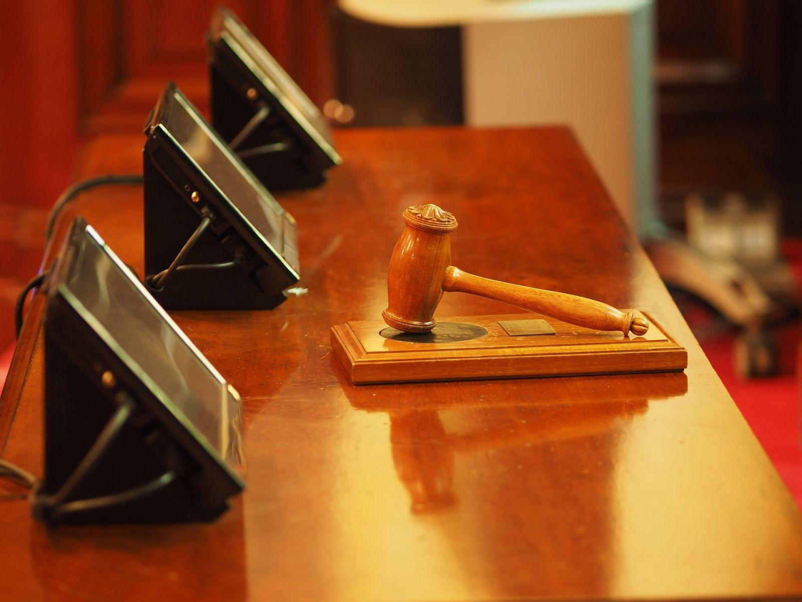 judge 1587300 1920 - El Tribunal considera necesario la implantación de programas Compliance para prevenir delitos.