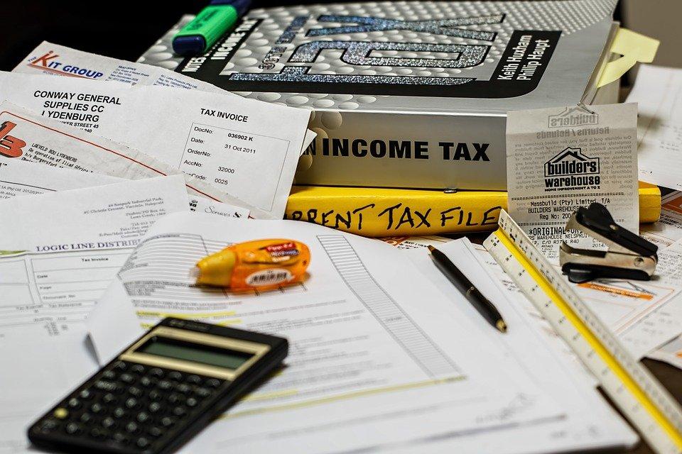 1 - Hacienda eleva un punto la presión fiscal a costa de grandes empresas y rentas altas