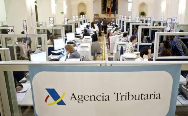 2 1 - La Agencia Tributaria aprueba un bonus a sus empleados si consiguen ingresos récord en IRPF